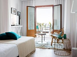 Hotel photo: 105 Suites