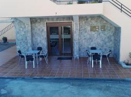 Foto di Hotel: Hostal Nuevo Alonso
