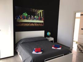 Foto di Hotel: Interno 10 Apartment