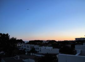 Hotel photo: At a sea view penthouse, 300 m from the beach!
