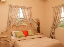 Hotel photo: Stylish Villa-Country feel - 3 Ensuite Bedrooms