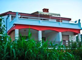 Hotel photo: House Anca - Tkon
