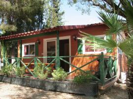 Hotel photo: Chalet Camping Vilanova Park 3