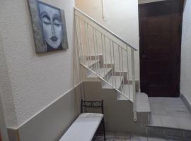 A picture of the hotel: Hostal Dos de Mayo