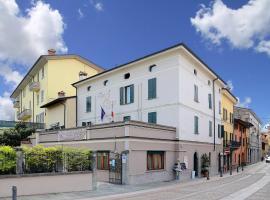 Hotel near Lombardiet