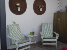 Hotel photo: Courtyard House - Sun, Barbecue, Beach
