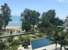 Hotel photo: By The Sea @ Luxury Suites, Batu Ferringhi(Ke Du Ding Yi Hao Hua Tao Fang Hai Bin Gong Yu )