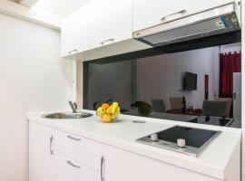 Hotel photo: Studio Apartman REA