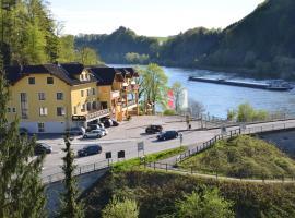 Hotel Photo: Gasthof zur Donaubrücke