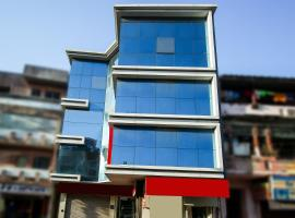 A picture of the hotel: OYO 6949 New Rajdhani Hotel