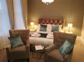 Hotel photo: The Devon Court