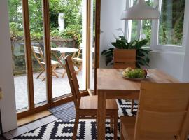 A picture of the hotel: Terrassenstudio in Nurnberg Nordwest