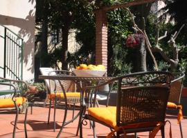 Foto di Hotel: Casa Ale con giardino pensile