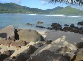 Hotel photo: Pebbles Cove