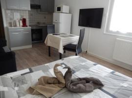 A picture of the hotel: Le Studio Sam