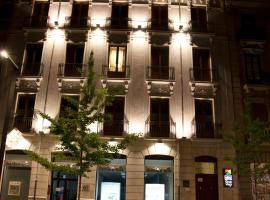 Hotel photo: Habitat Suites Gran Vía