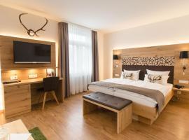Hotel Photo: Waldhotel am Notschreipass