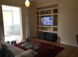 Hotel photo: 2 bed apartment Leoforos Amfitheas