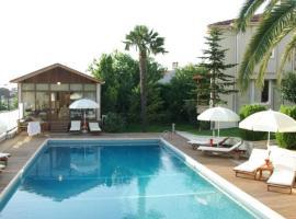 Hotel photo: Parla Viens Suites