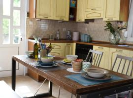 Hotel photo: Dimitris' & Valentina's Home