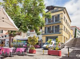 Фотография гостиницы: Zona Velha Apartments by Travel to Madeira