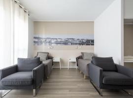 A picture of the hotel: Residencia Universitaria Campus del Mar
