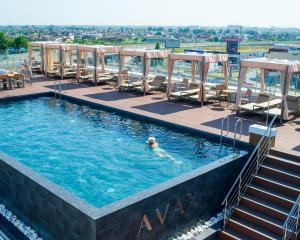 Отель Avax