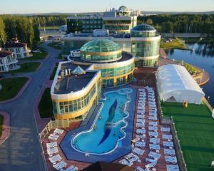 Отель Ramada By Wyndham Yekaterinburg Hotel & Spa