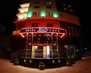 Отель X&O