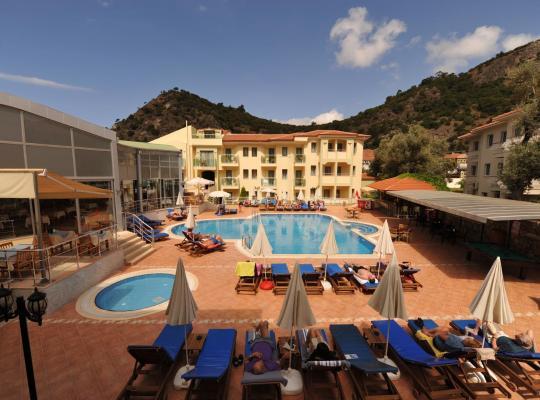 होटल तस्वीरें: Belcehan Deluxe Hotel