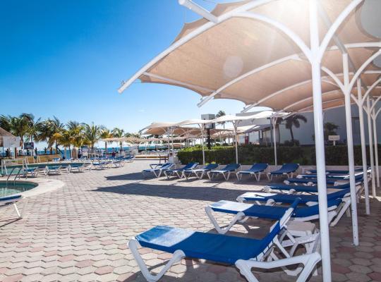 Fotos do Hotel: Aquamarina Beach Hotel