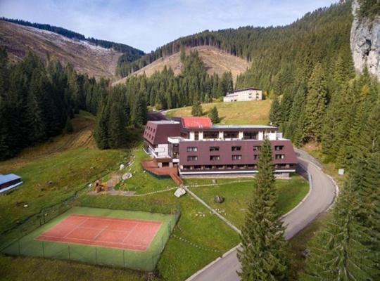 Otel fotoğrafları: Wellness Hotel Repiska