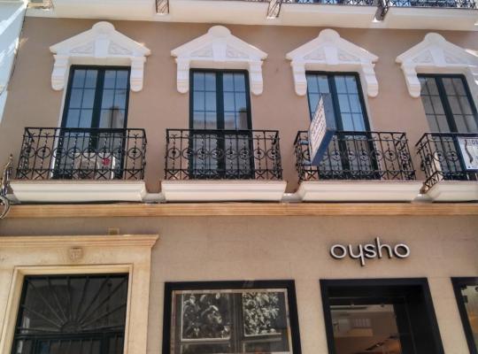 Фотографії готелю: Apartamentos Turísticos Espinel
