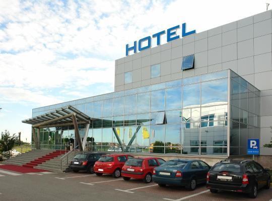 होटल तस्वीरें: Hotel Zovko Zagreb