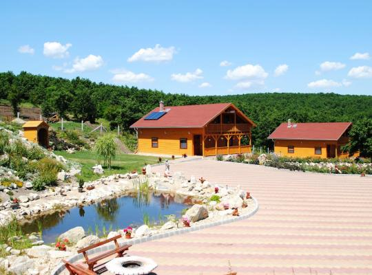 Fotos de Hotel: Rózsapark Vendégház