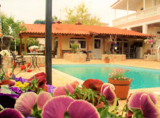 Фотографии гостиницы: Jacuzzi Pool House