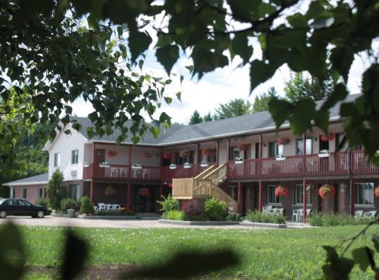 Fotografii: Motel Le Radisson de Val-David