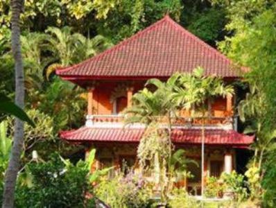 Otel fotoğrafları: Pondok Wisata Grya Sari