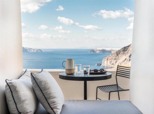 Képek: Porto Fira Suites