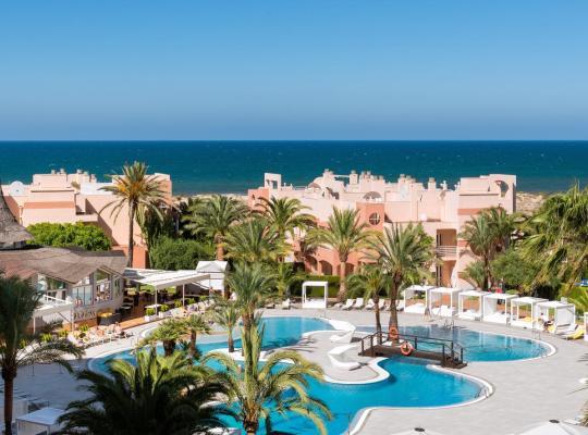 Foto dell'hotel: Oliva Nova Beach & Golf Hotel