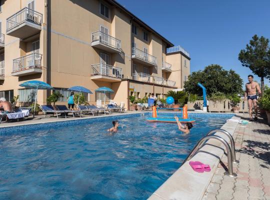 होटल तस्वीरें: Hotel Darsena