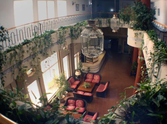 Hotel bilder: Hostal Puente del Rey Alojamientos Rocio Doñana