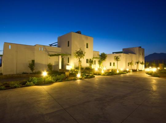 Фотографии гостиницы: Alona Luxury Villas