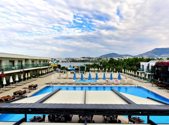 รูปภาพจากโรงแรม: Jasmin Beach Hotel