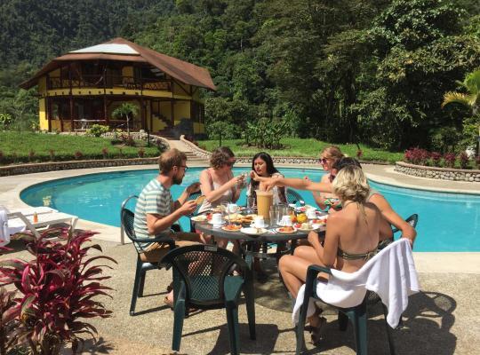 Φωτογραφίες του ξενοδοχείου: Mindo Río Hostería