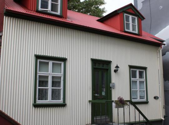 Фотографії готелю: Grettir Guesthouse