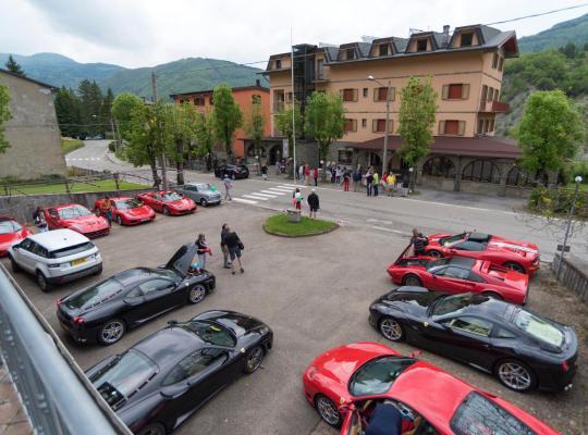 Otel fotoğrafları: Albergo Bucaneve