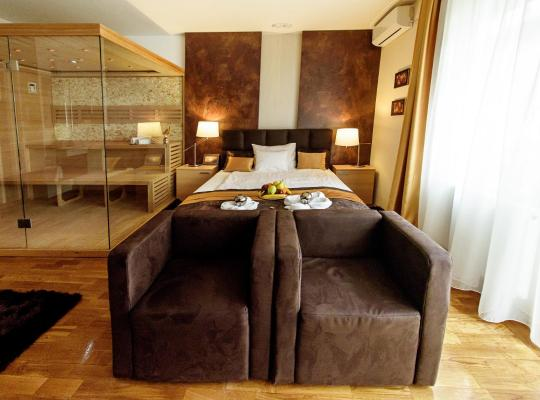Hotel foto 's: Pergola & Prestige Vendégház