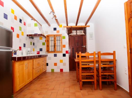 Foto dell'hotel: Poble Nou Apartments by HAPPYVILA