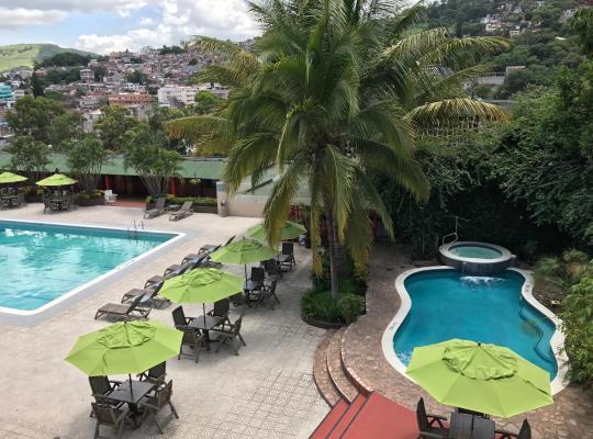 Хотел снимки: Hotel Honduras Maya